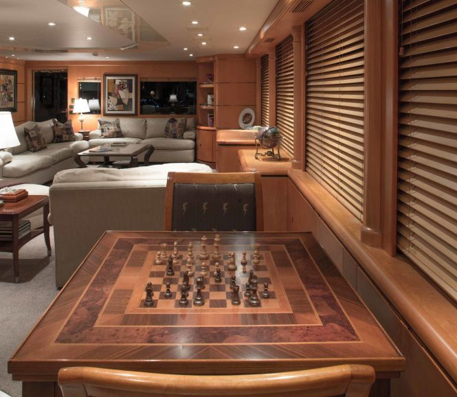 Saloon with plenty of seating and socialising areas