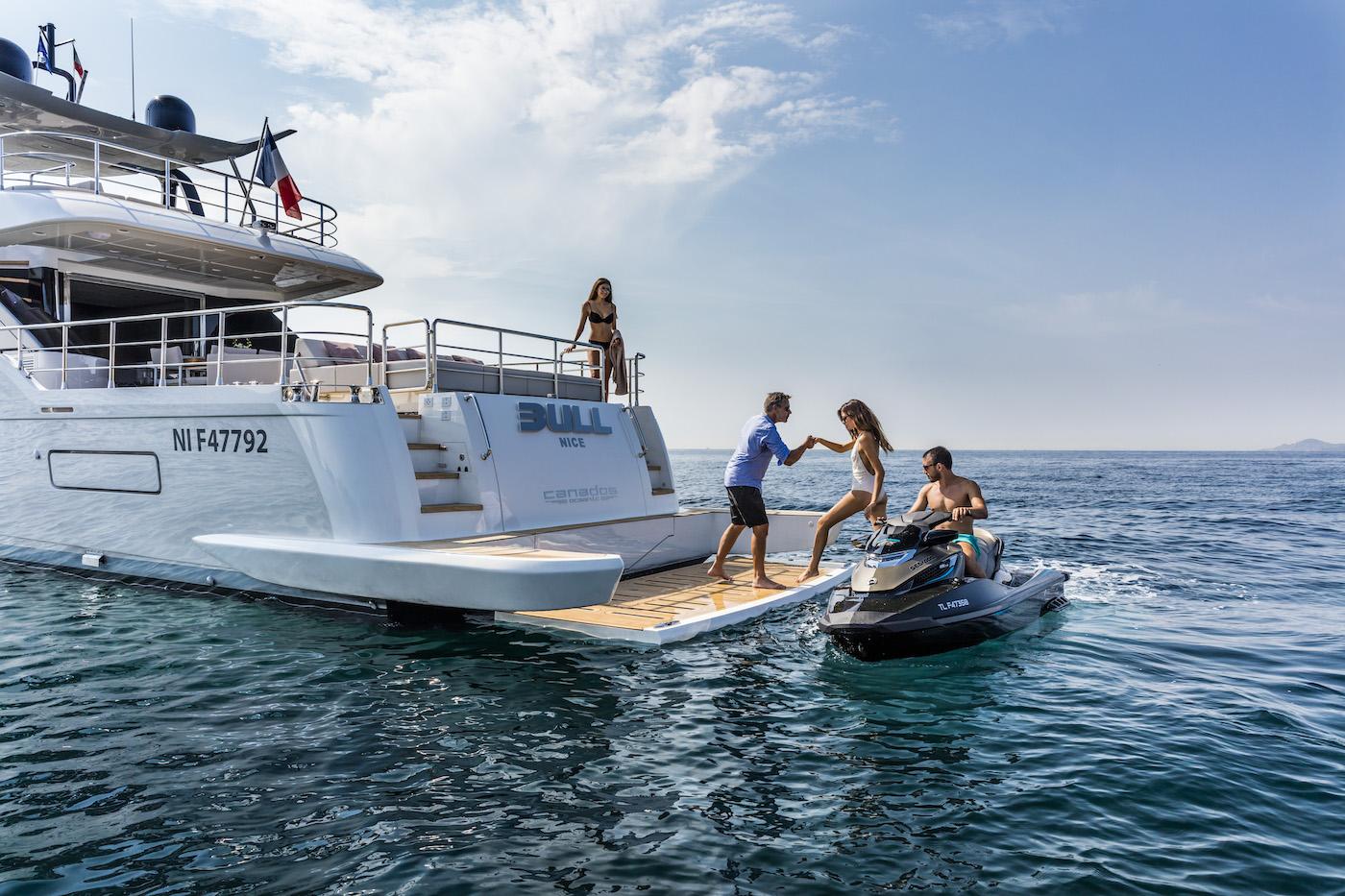 Yacht BULL