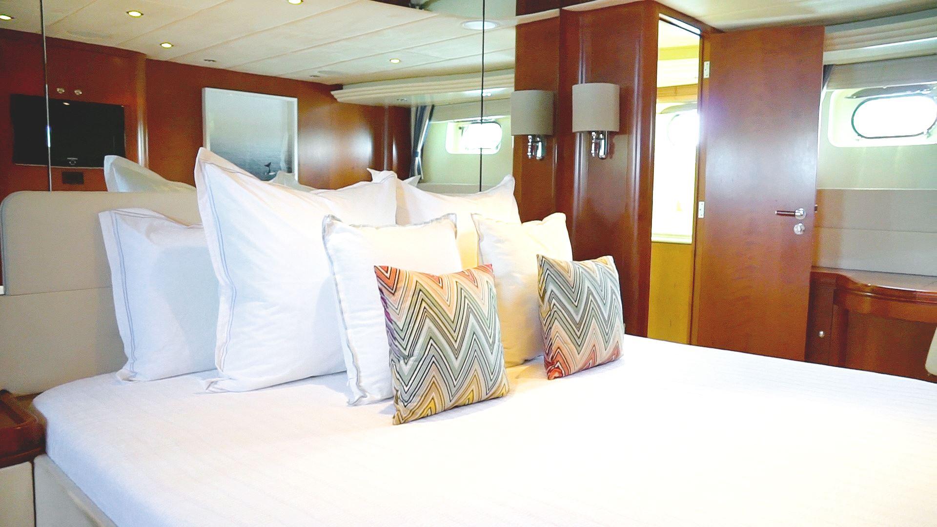 Clean guest cabin decor
