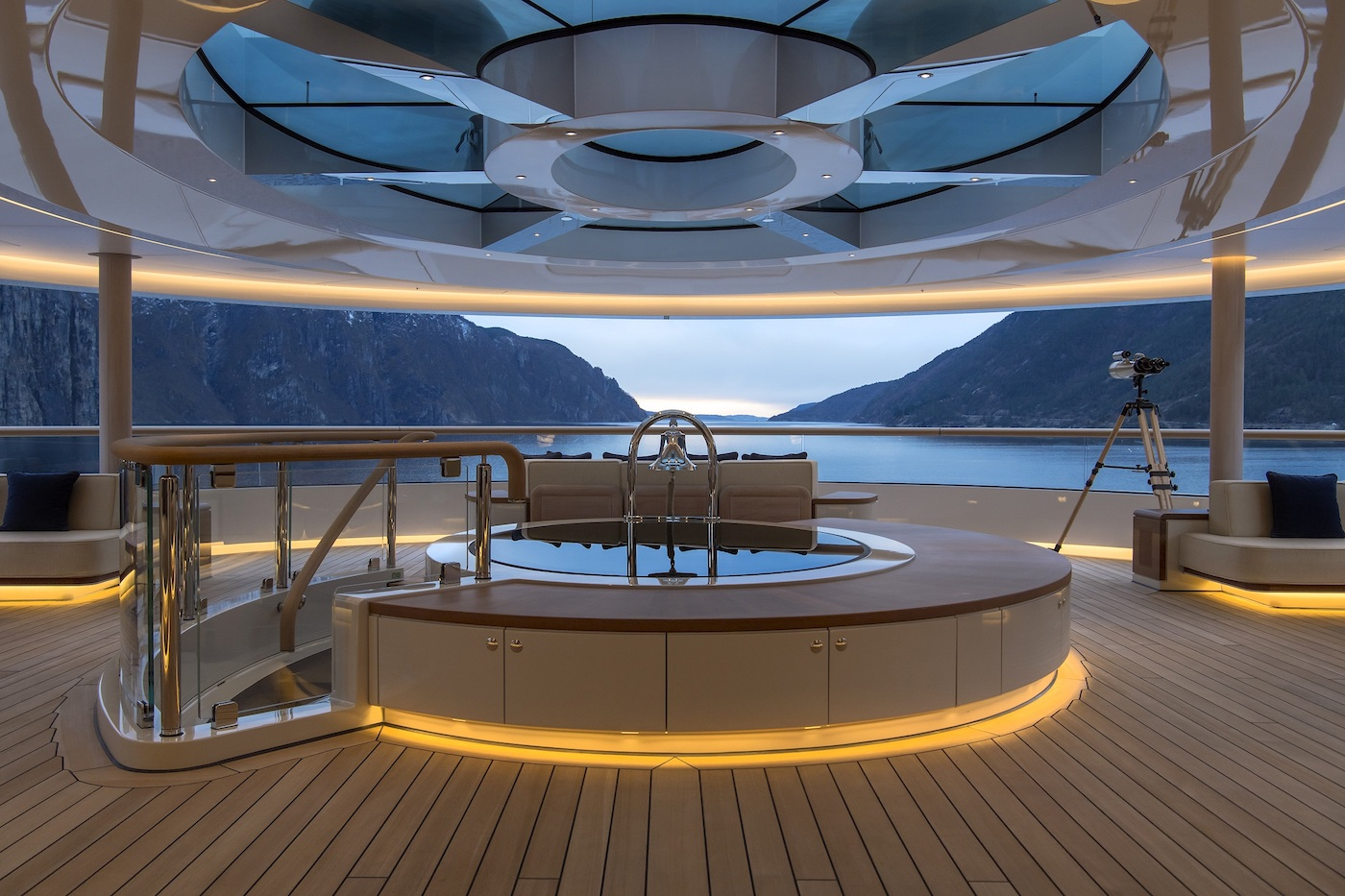FLYING FOX - Observation lounge twilight ╕Photo © Imperial Yachts