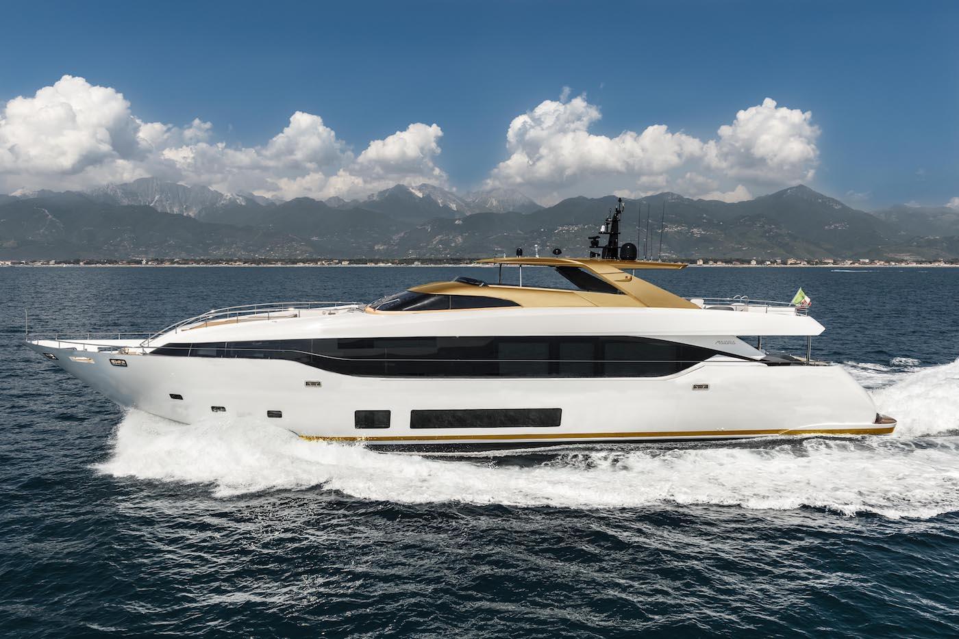 Luxury motor yacht MAIORA 30