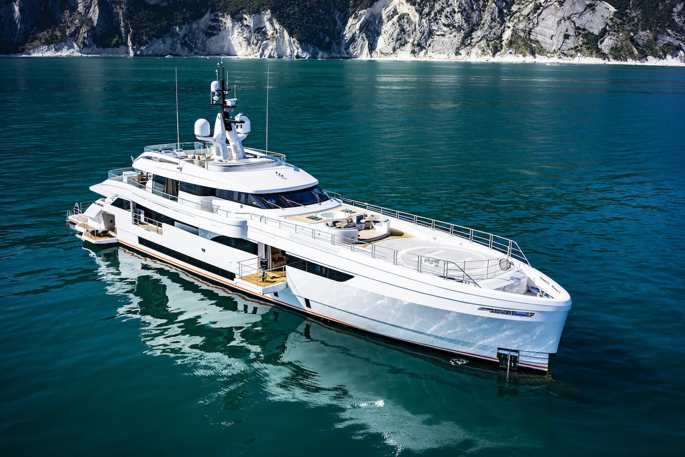 Motor yacht CECILIA