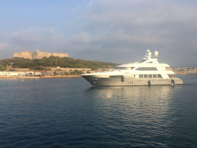 motor yacht I SEA