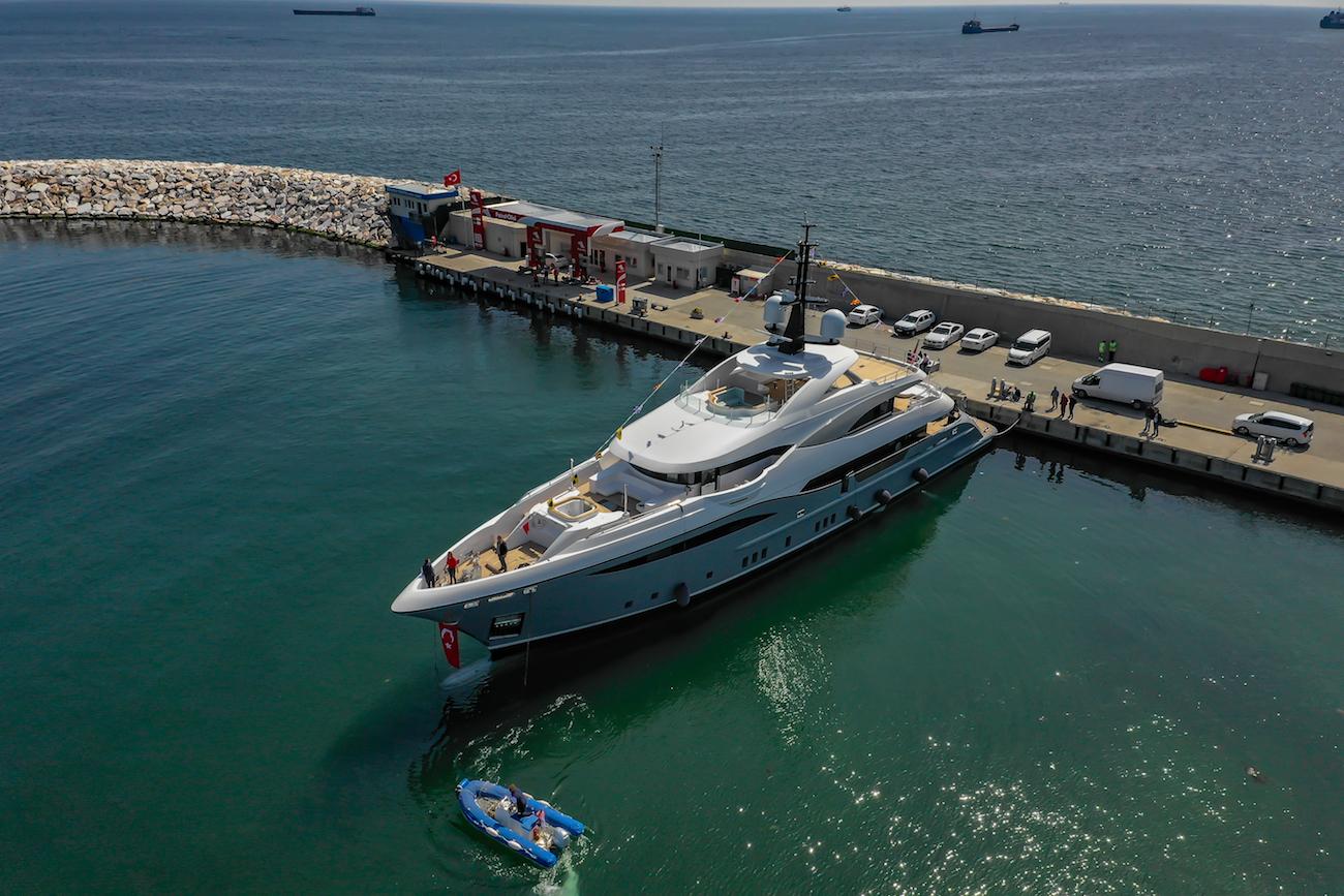 motor yacht LILIUM aerial