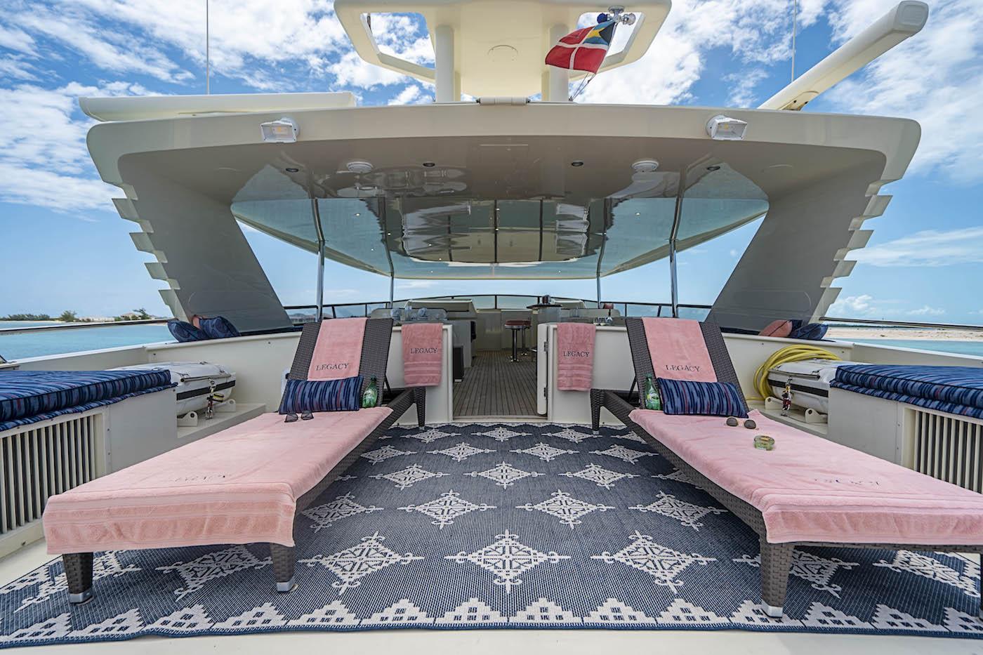 Fabulous sun deck with sunbathing area