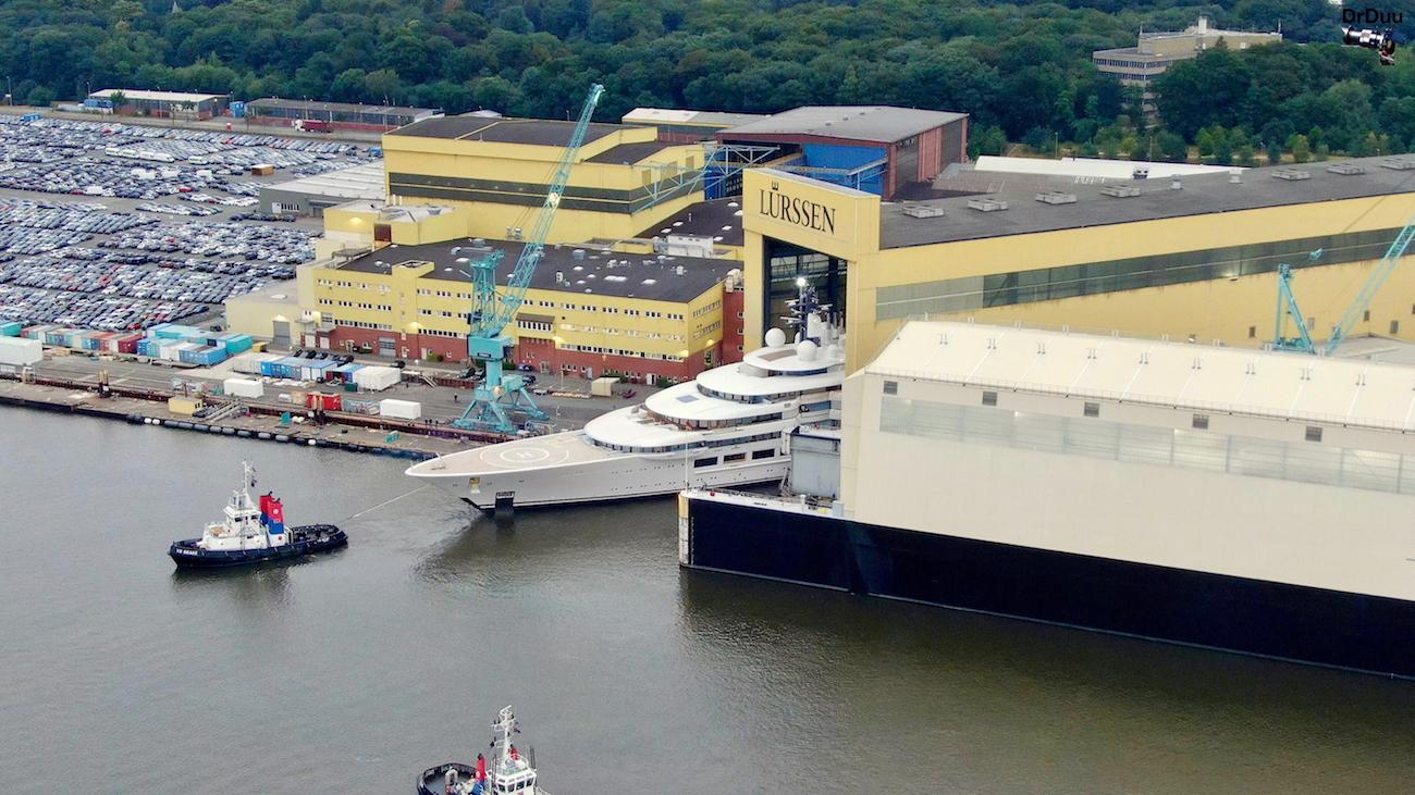 Mega yacht project LIGHTNING hits water at Lurssen — Yacht