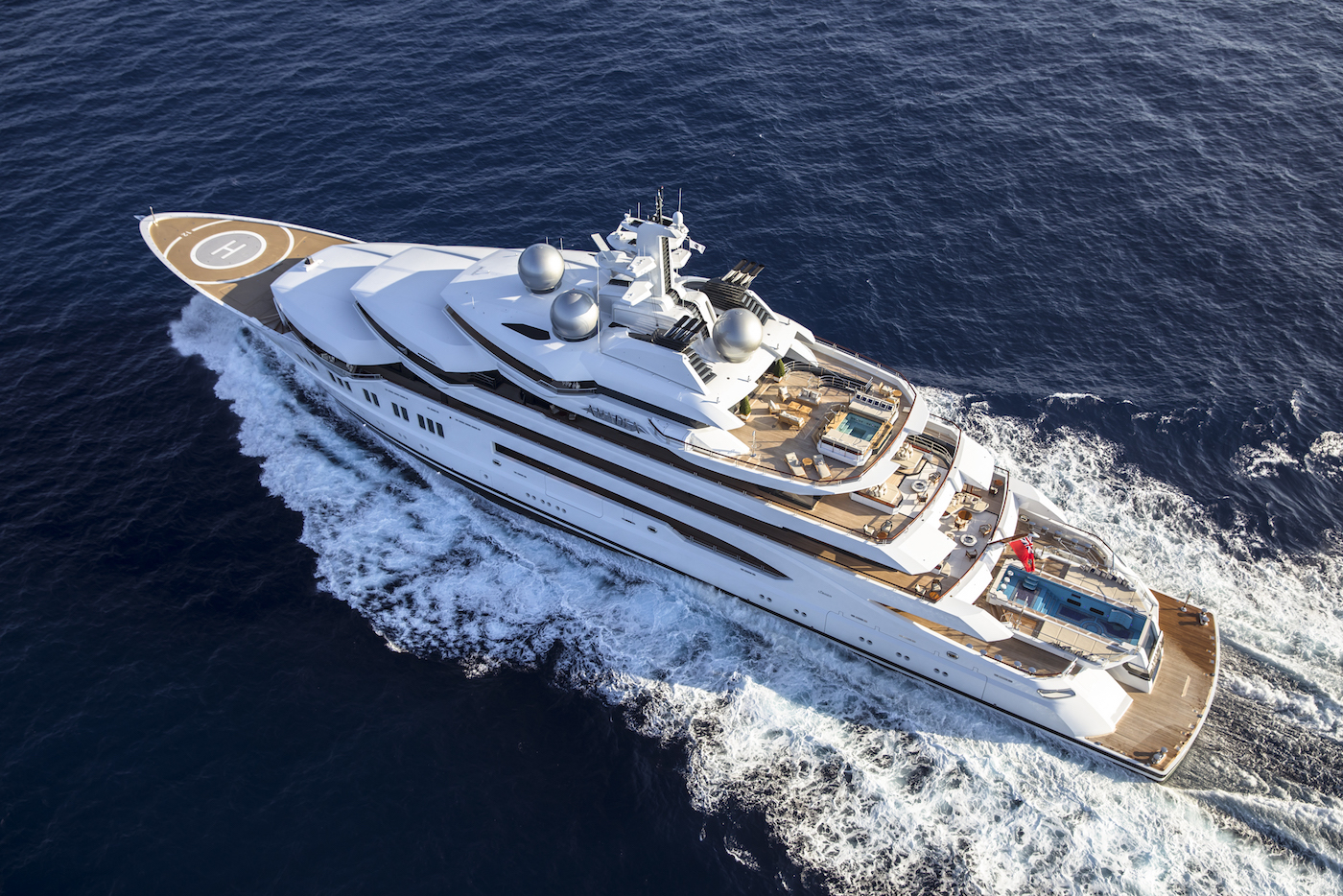 Aerial view of AMADEA (© Imperial Yachts)