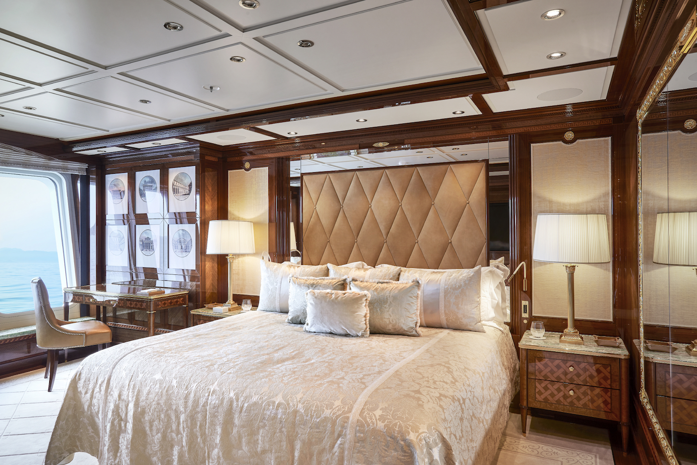 Guest Suite (© Imperial Yachts)