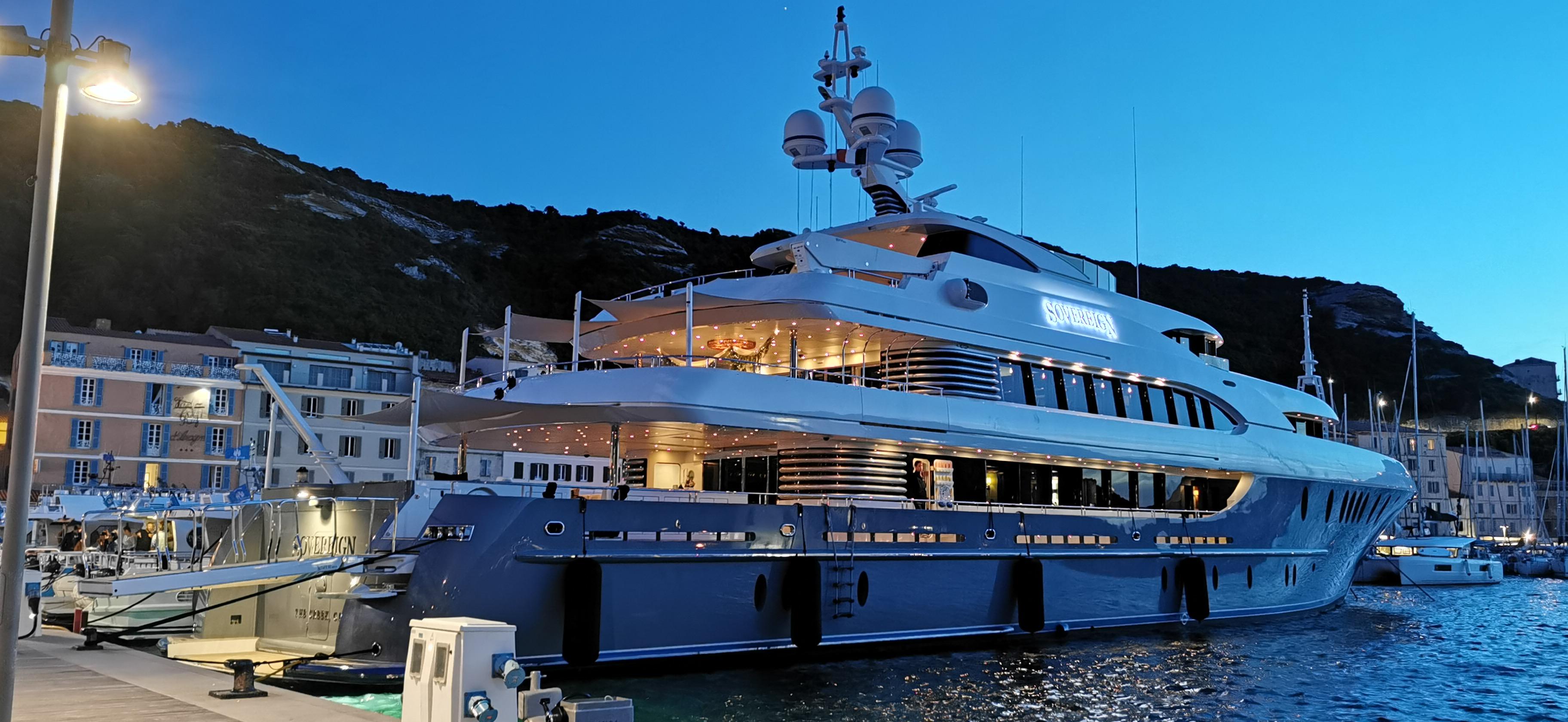 Luxury yacht Sovereign off Bonifacio - Photo Solenne Vaudin d'Imécourt