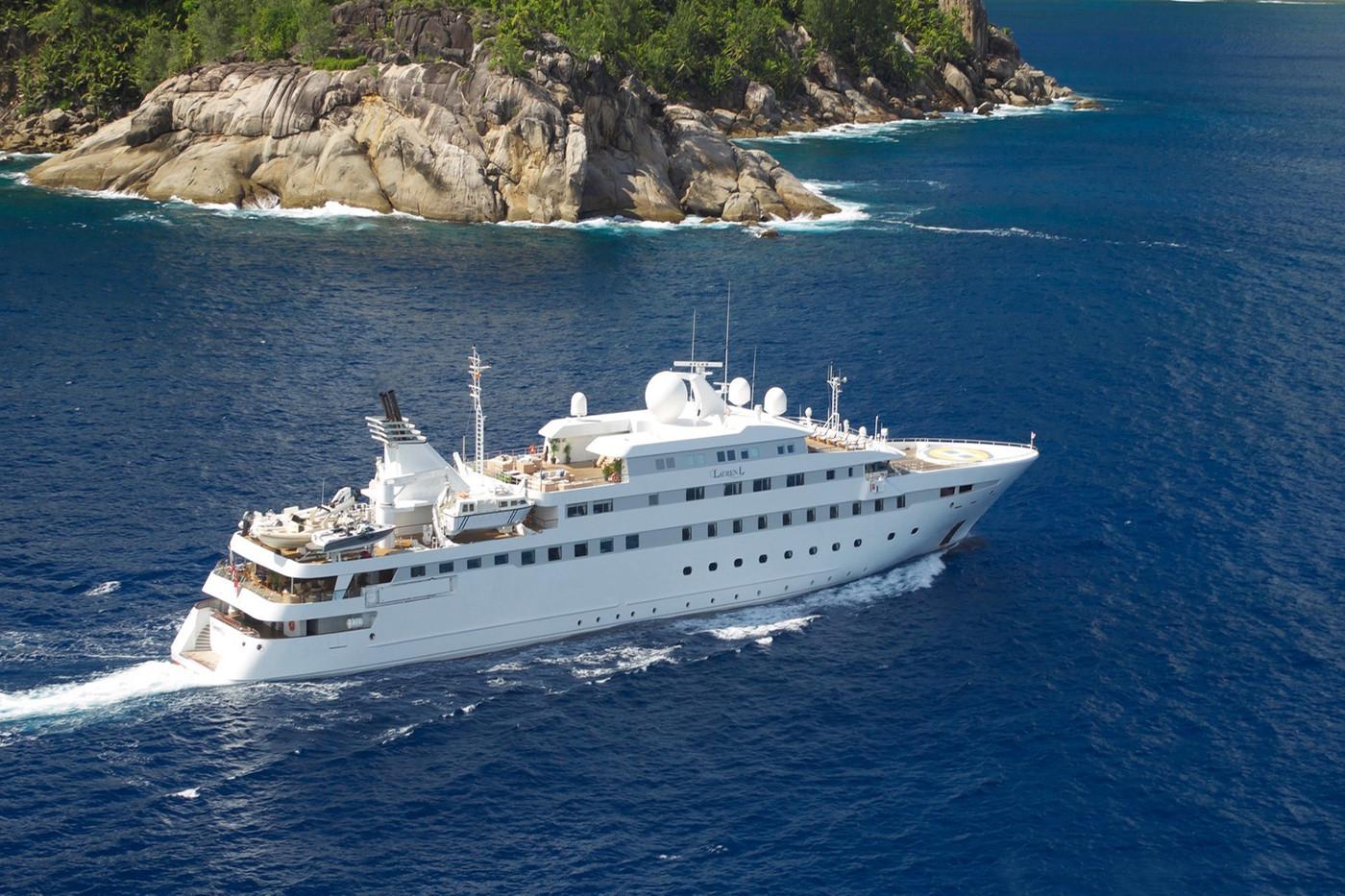 Mega Yacht LAUREN L