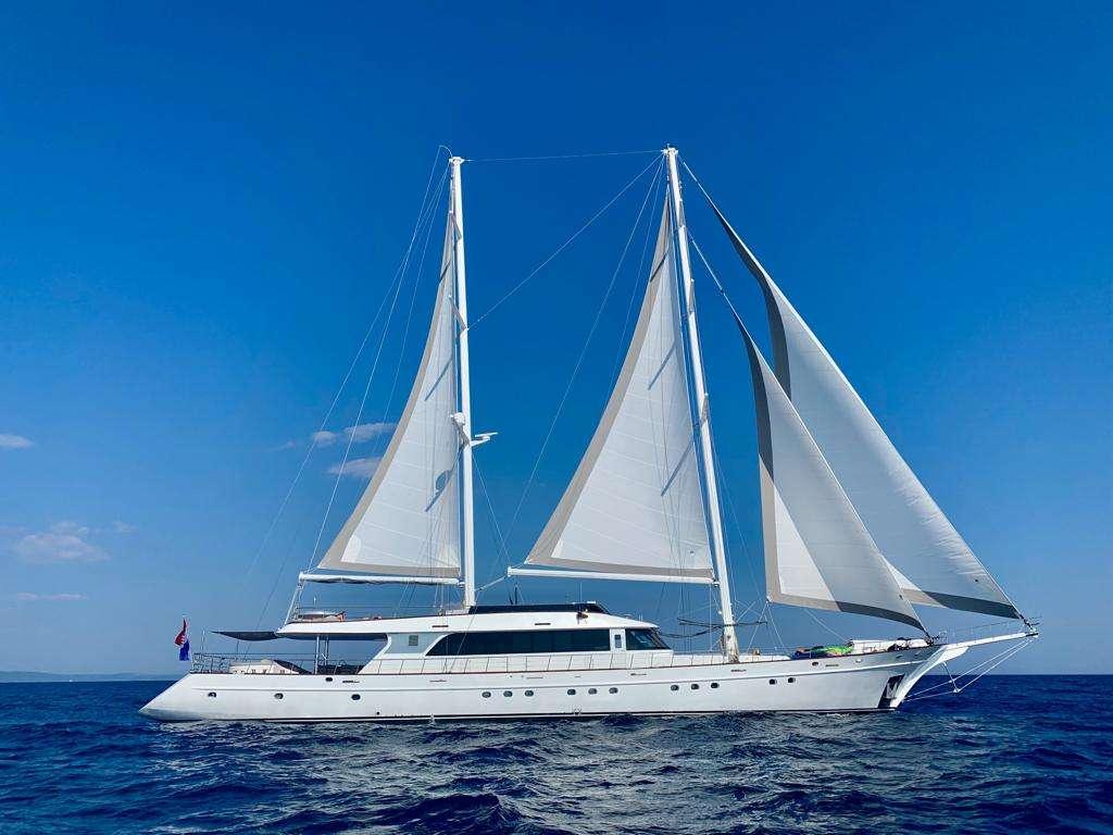 Motor sailer yacht LADY GITA