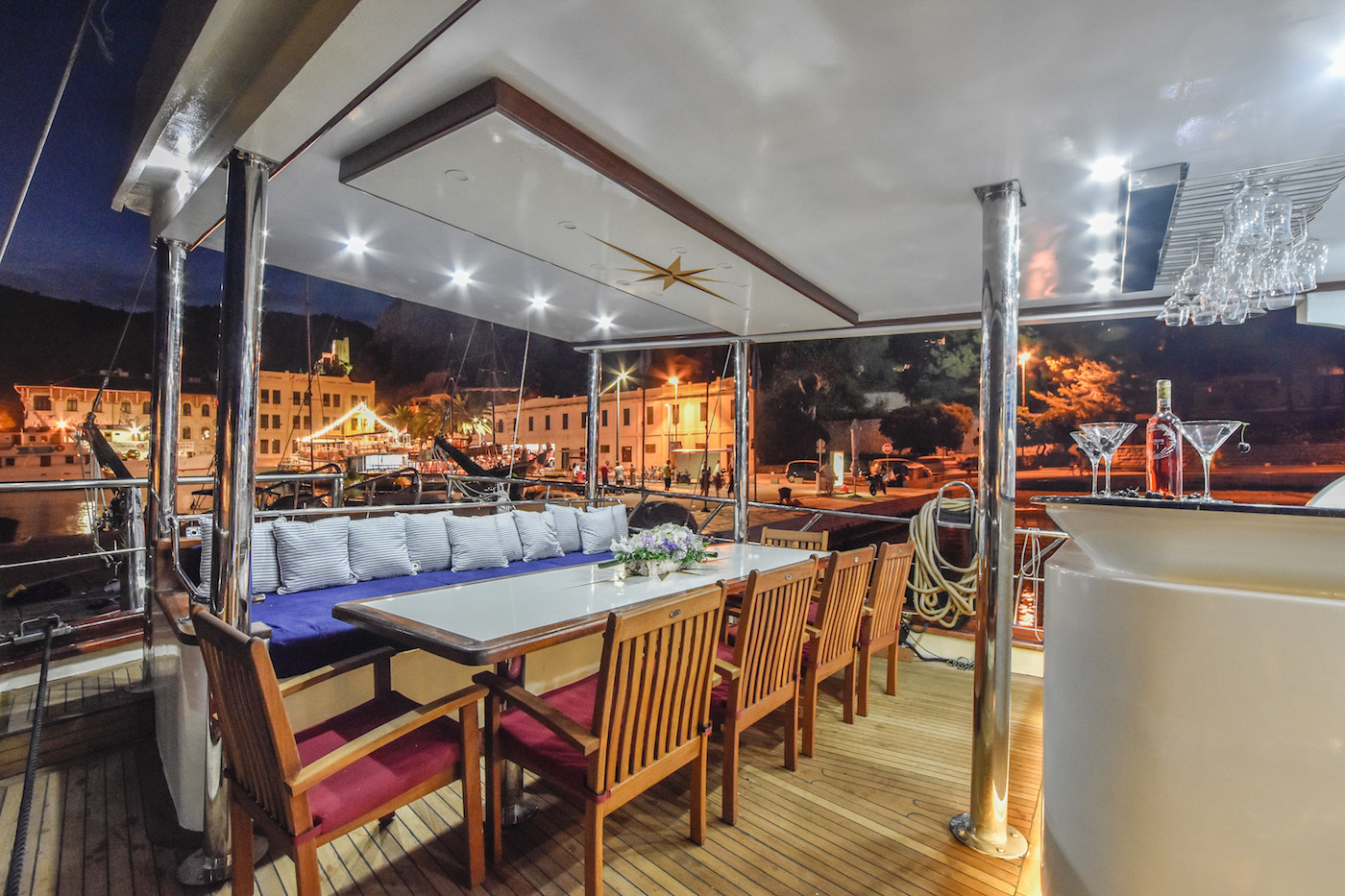 Alfresco dining options for warm summer nights
