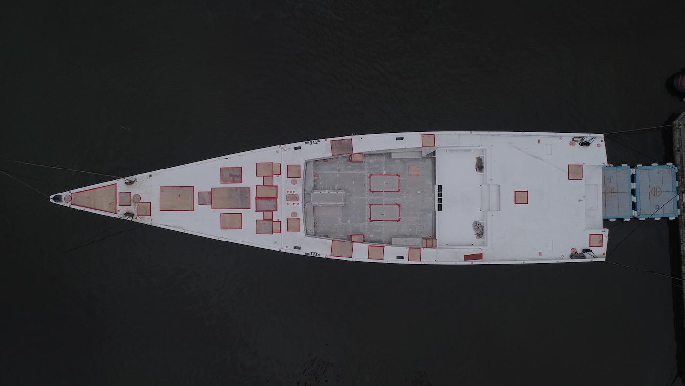 SY 42m E-volution GTS sailing yacht hull arrives at Perini Navi