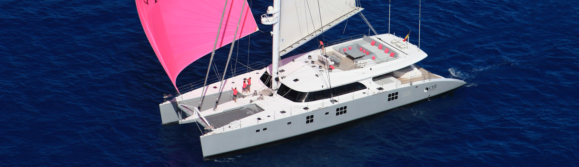 Sailing yacht CHE