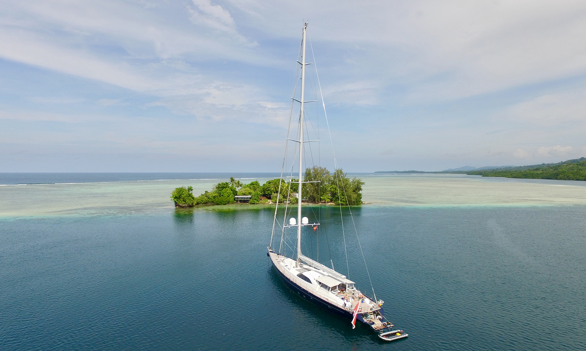 Sailing yacht GUILLEMOT