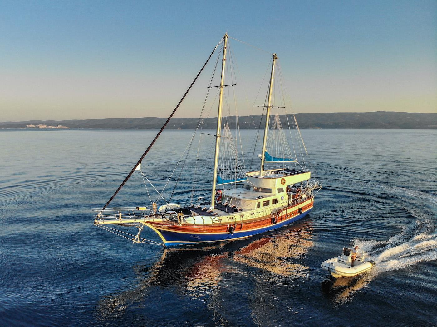 Sailing yacht SAINT LUCA