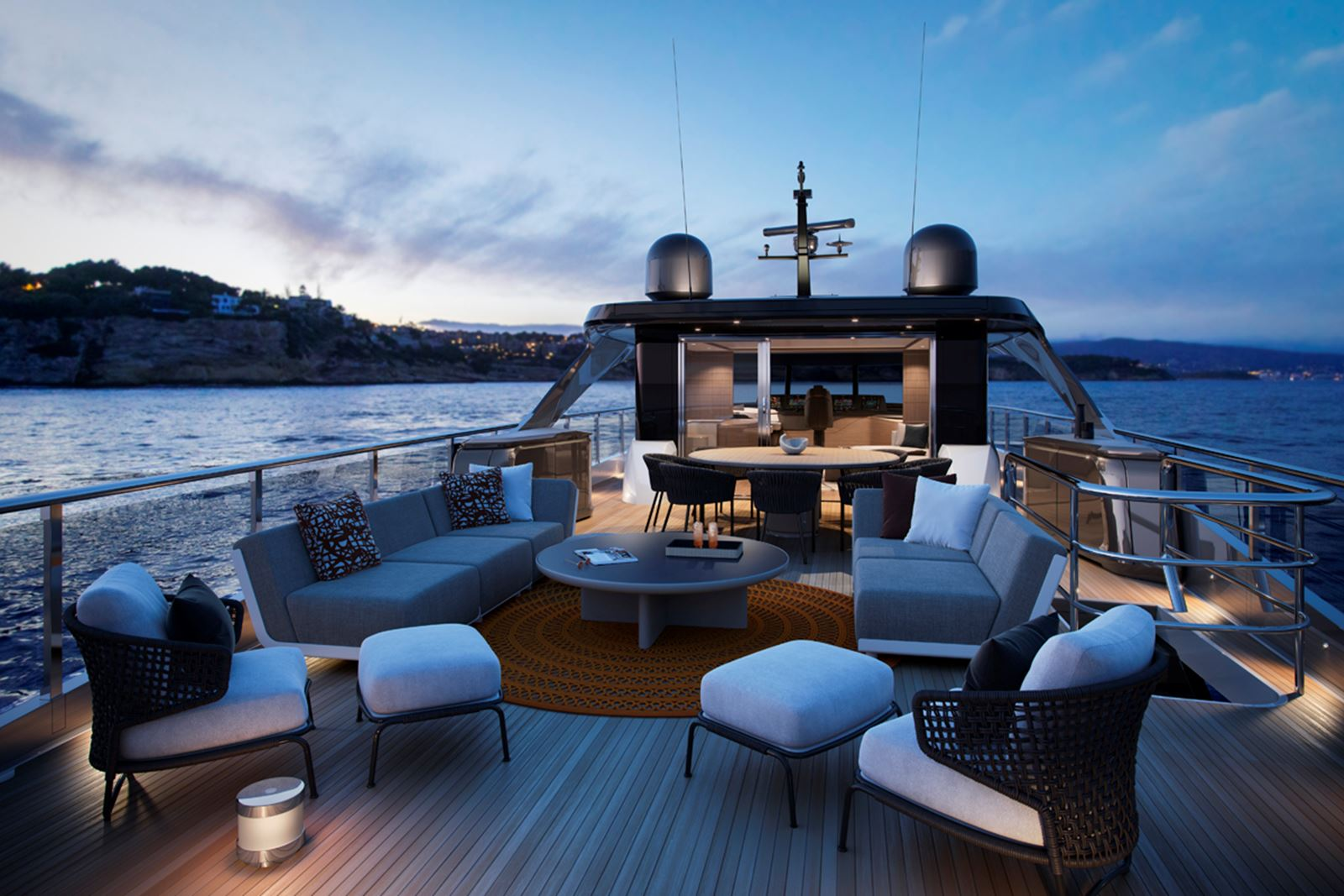 Fantastic expansive flybridge with plenty of space to relax