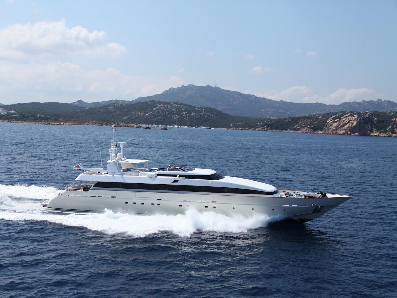 Motor yacht HEMILEA