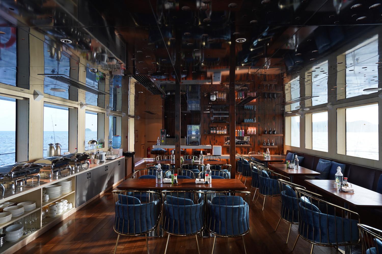 Spacious modern dining saloon and bar