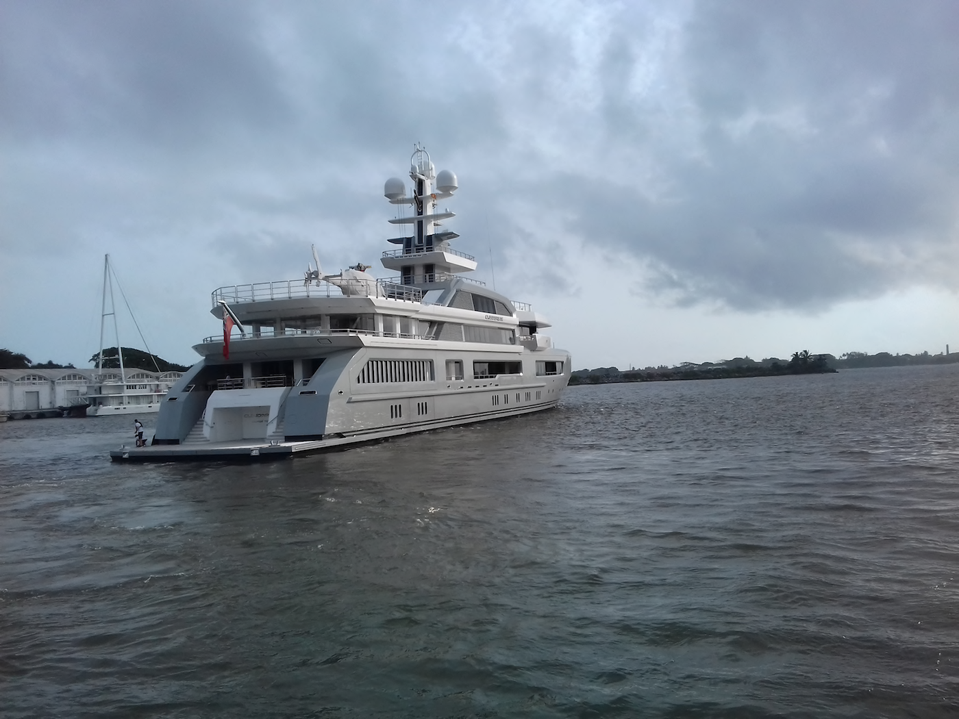 Charter Yacht Cloudbreak on her way following stopover