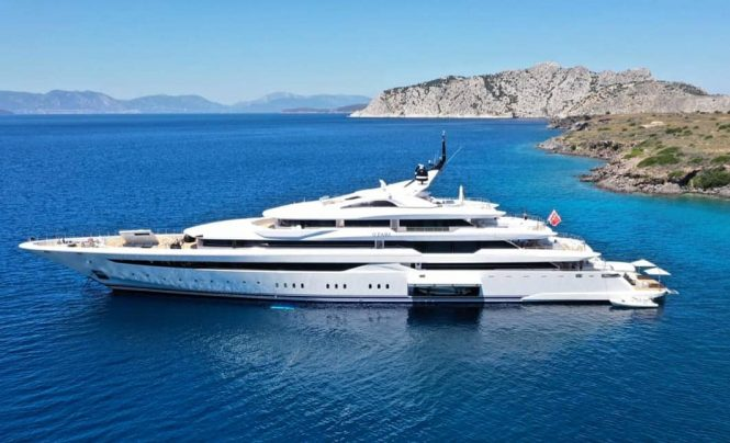 Luxury yacht O'Pari delivered and ready for Greece charters ...