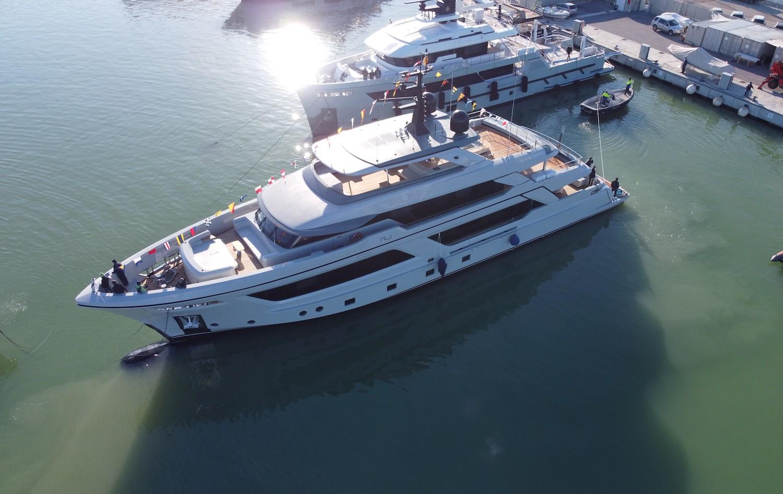 Luxury yacht RJ 130