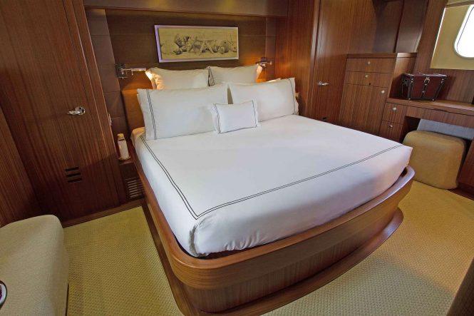 lower deck full beam cabin