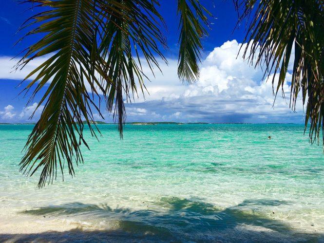 Bahamas water © buckeyebeth /Pixabay