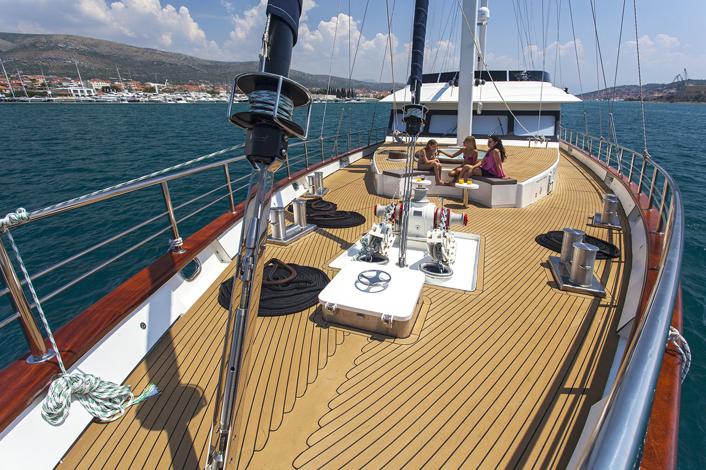 Foredeck offering great space to unwind and relax in the Jacuzzi