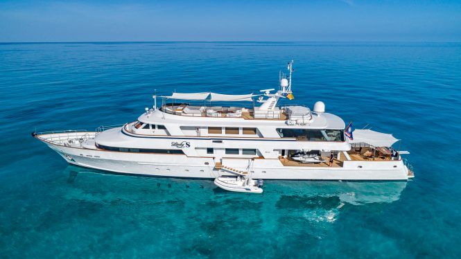 Luxury motor yacht LADY S