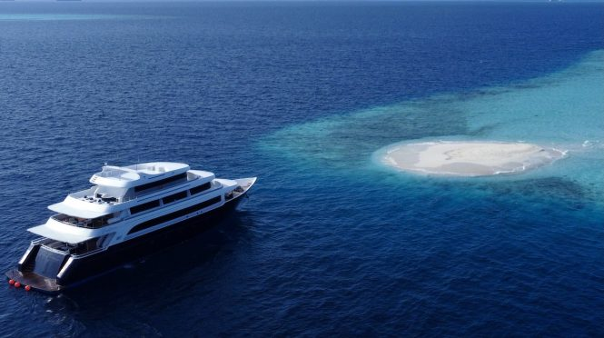 Motor yacht SAFIRA in the Maldives