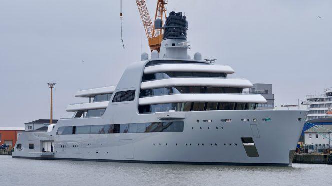 Luxury yacht SOLARIS © DrDuu