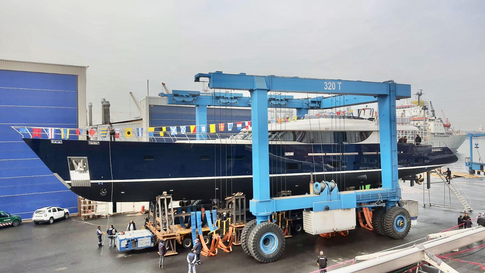 L'Aquila II superyacht launched © Mengi Yay