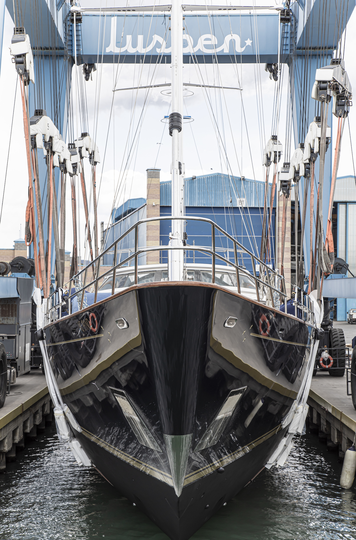 Morning Glory launch at Lusben shipyard - bow