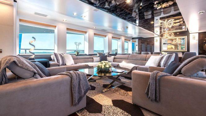 Elegant and comfortable saloon