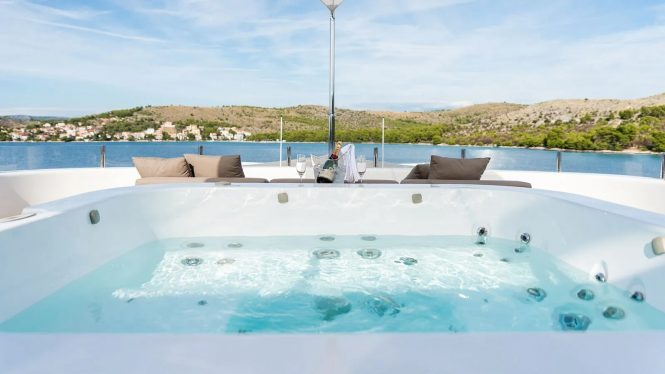 Jacuzzi with an amazing view