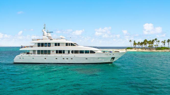Motor yacht JUST SAYIN