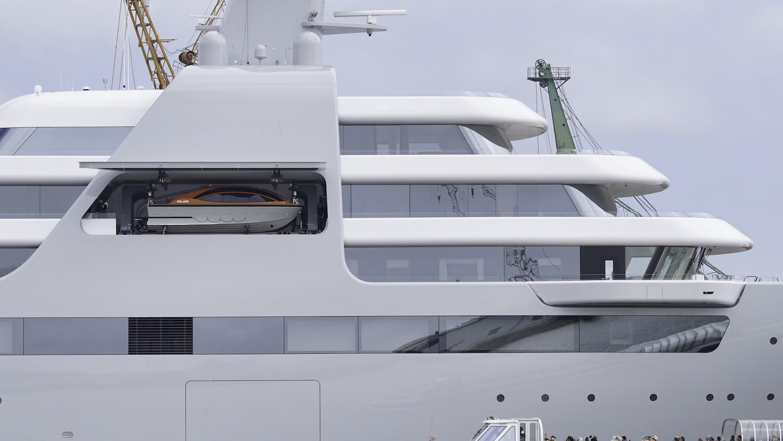 Yacht SOLARIS detail © DrDuu