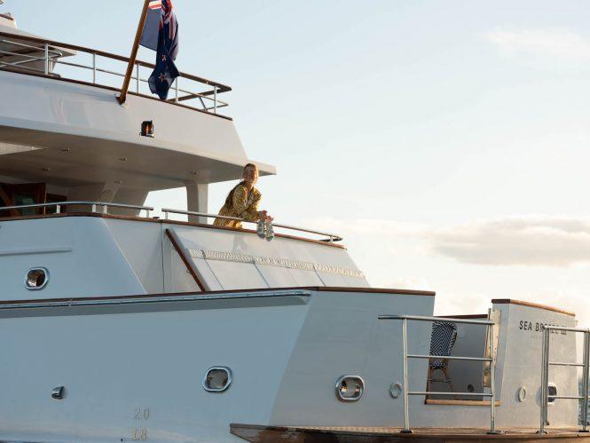 Luxury charter yacht SEA BREEZE III