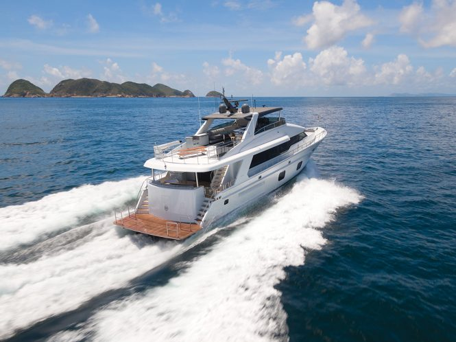 running photo of the yacht CLB88