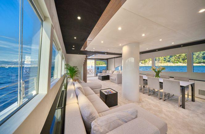 Modern and comfortable saloon