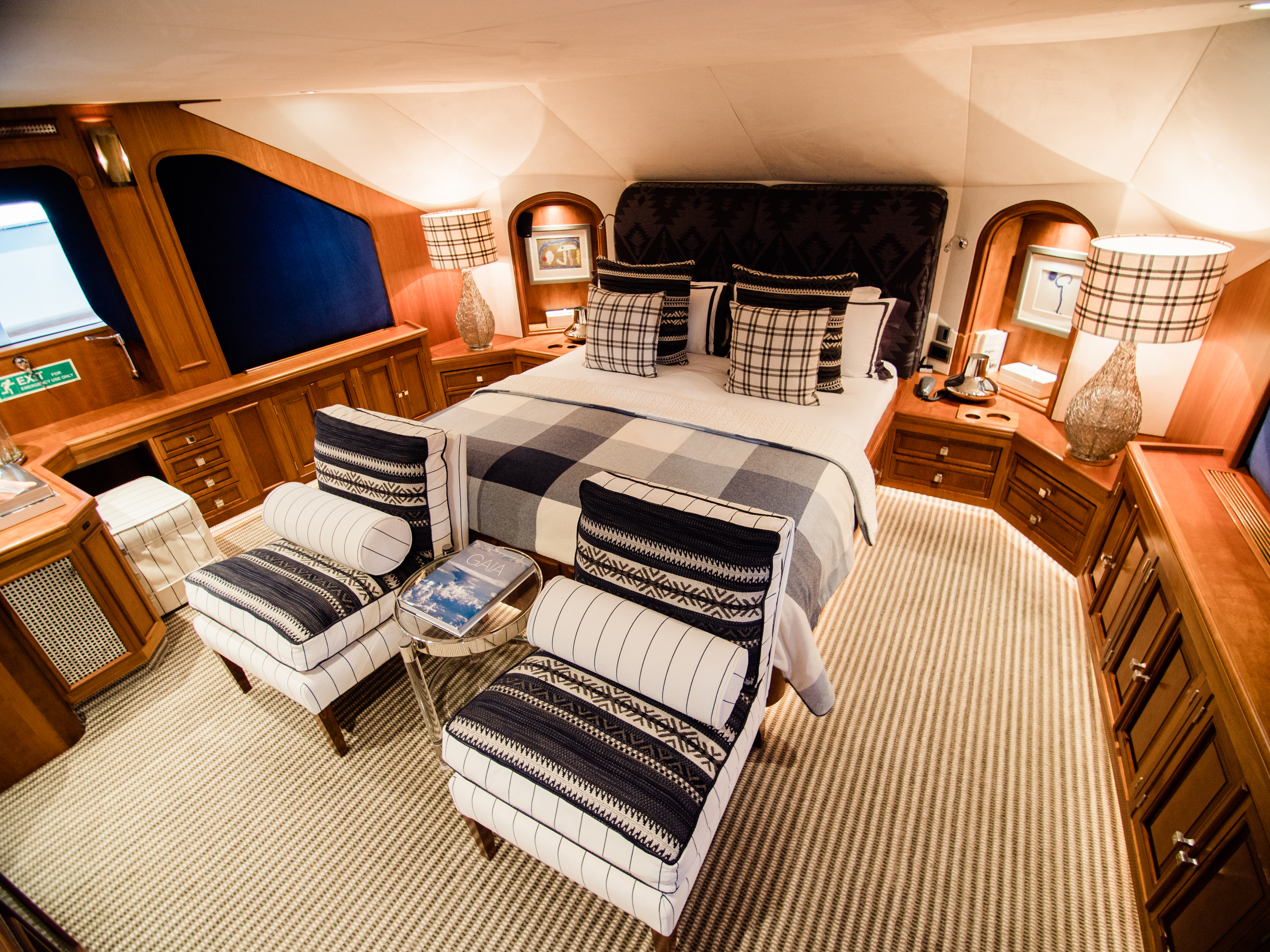 Cosy and welcoming master stateroom