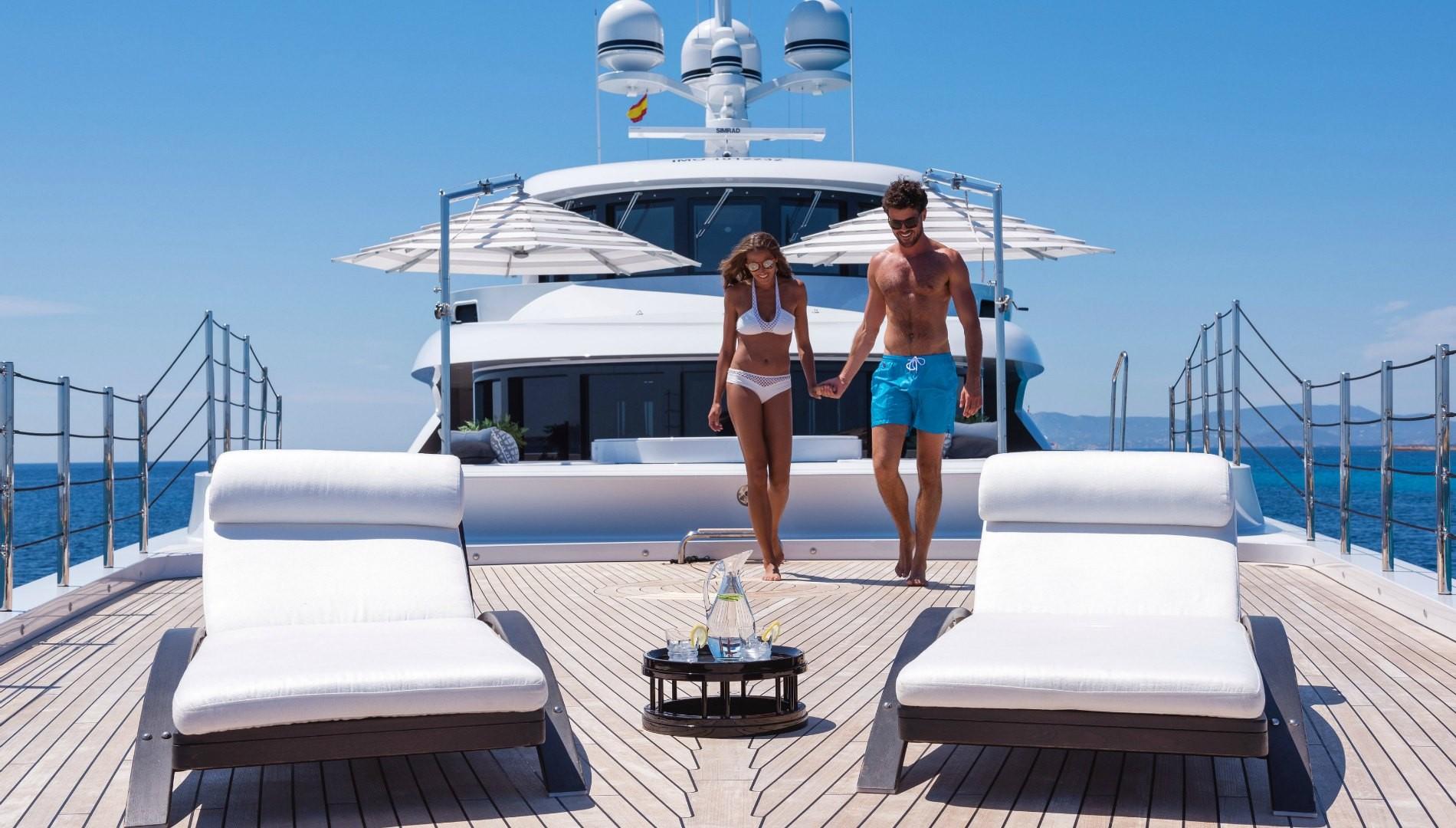 Luxury holidays aboard motor yacht 11 11 © Jeff Brown