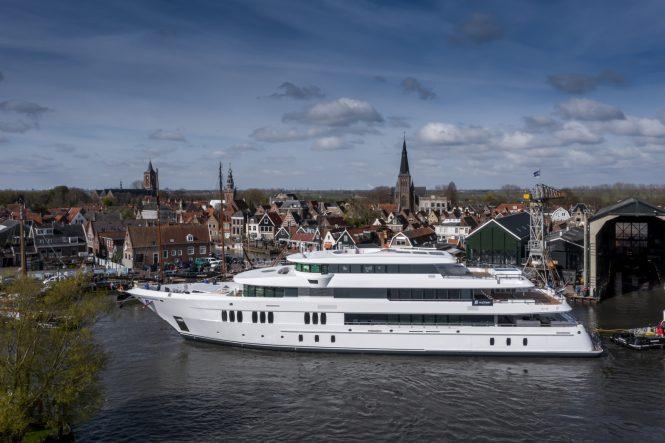 Motor yacht TOP FIVE II at Hakvoort