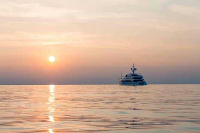 Superyacht 11 11 ©Jeff Brown